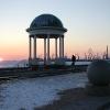 Красивый вид на беседку, морпорт и замерзшее Азовское море в Бердянске.