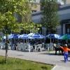 Летом таких кафе в Бердянске много...
